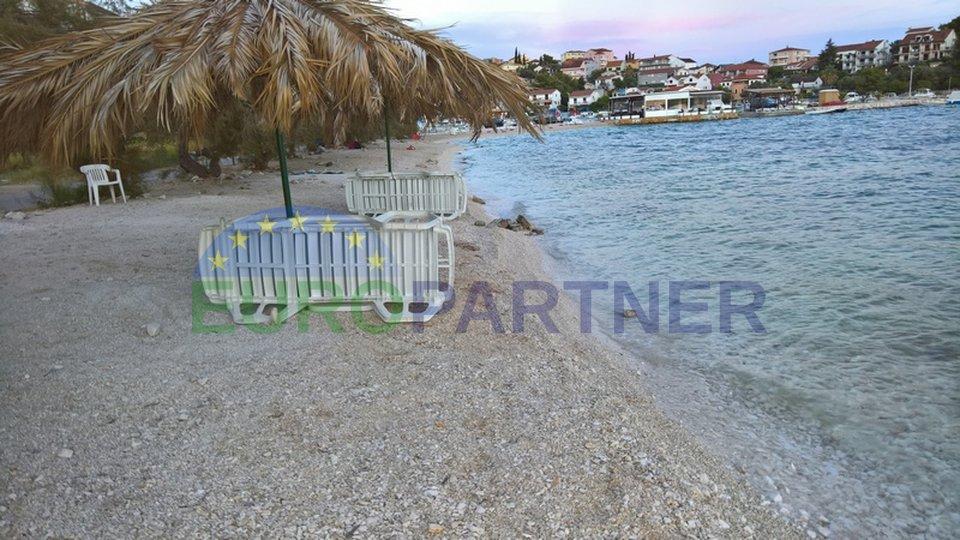 Casa indipendente con vista sul mare vicino a Trogir