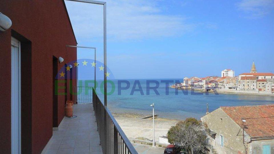 Ekskluzivan stan s panoramskim pogledom - prvi red do mora