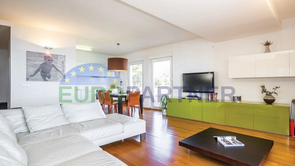 Luxuriöses Apartment mit Pool in urbaner Villa, Opatija