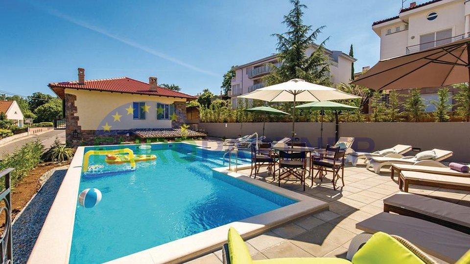 Villa, mit Blick auf das Meer, in der Nähe der Stadt Opatija