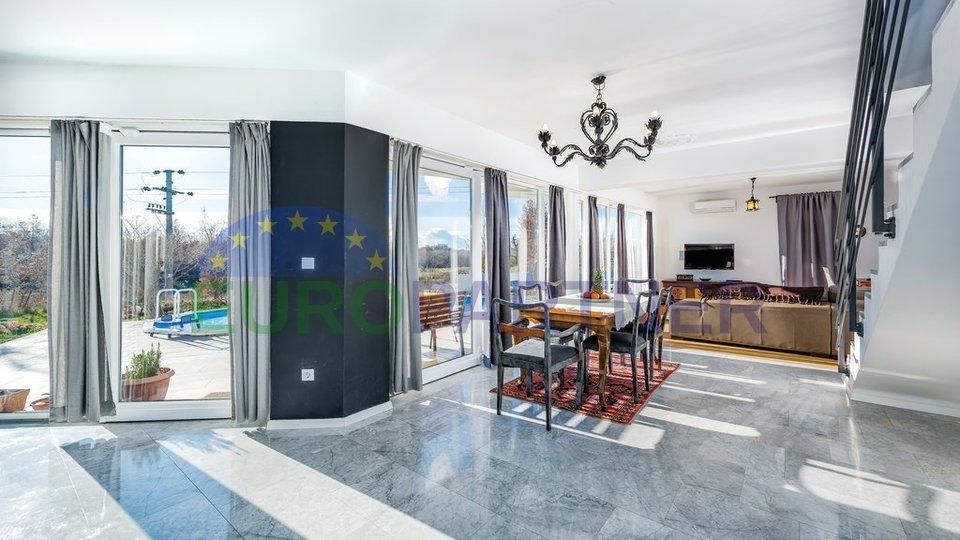 Fantastična moderna vila u blizini Poreča