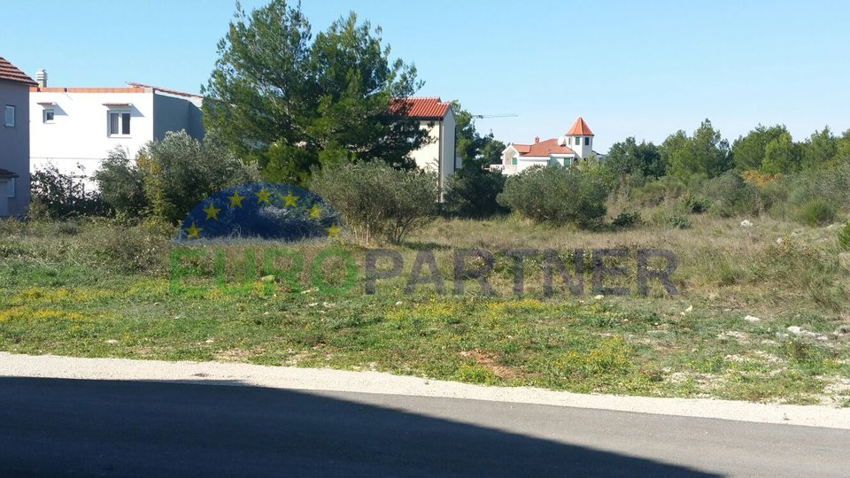 Building plot in Vodice, only 200 m from the sea