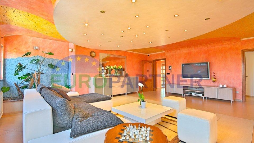 luxuriöse Villa mit Pool in der Nähe von Porec