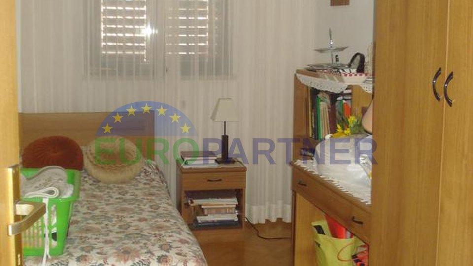 Einfamilienhaus mit zwei Apartment