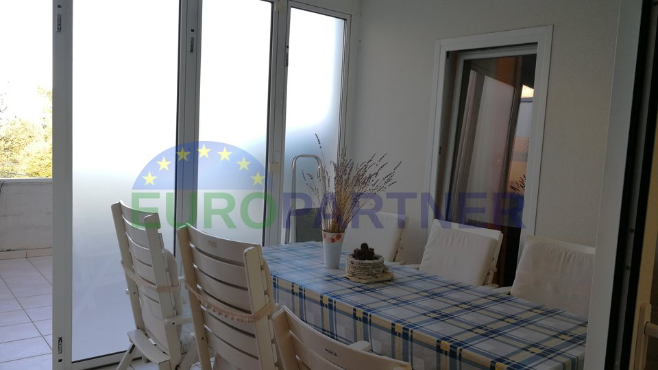 Apartment with sea view next to golf course