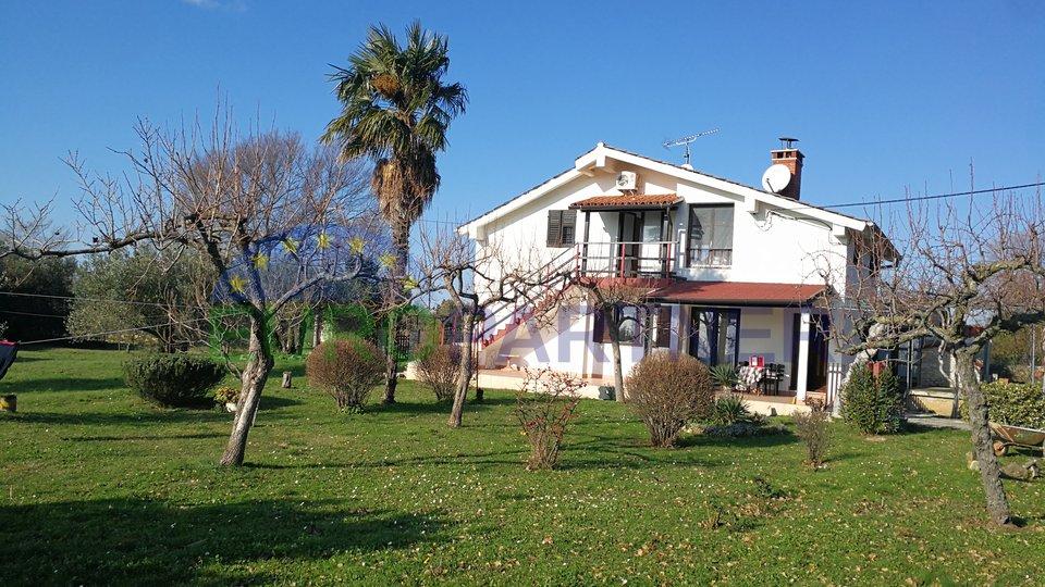 Haus, 140 m2, Verkauf, Tar