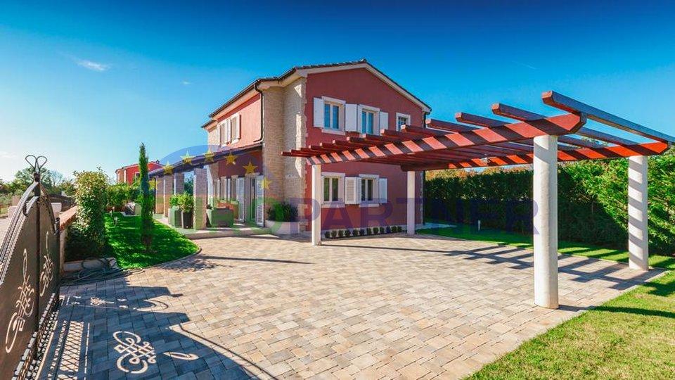 Impressionante villa in pietra nel cuore dell'Istria