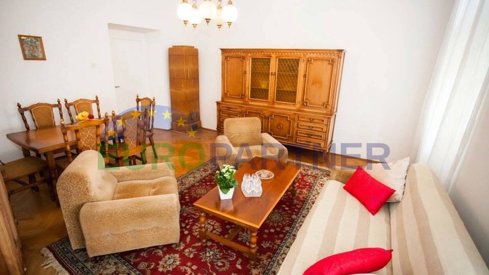 Flat on an excellent location, Zadar