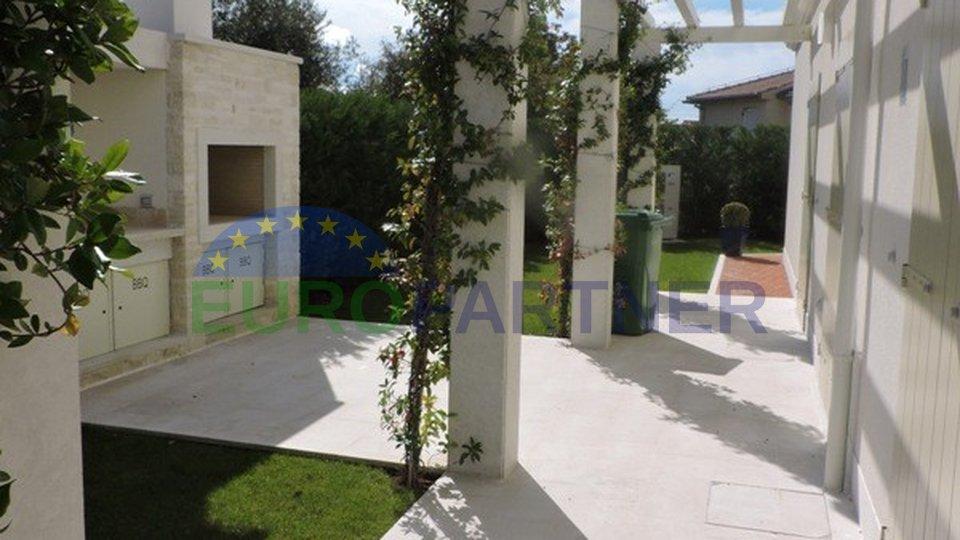 Modern villa just 1 km from the sea, Poreč