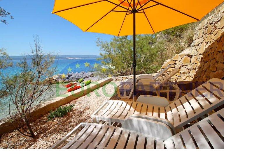 Vila sa spektakularnim pogledom i privatnom plažom