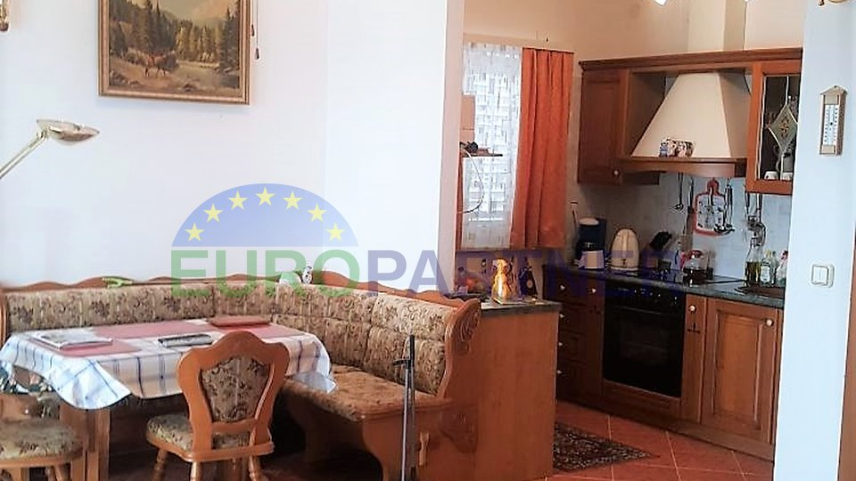 Fažana 300 meters from the sea - house with apartments