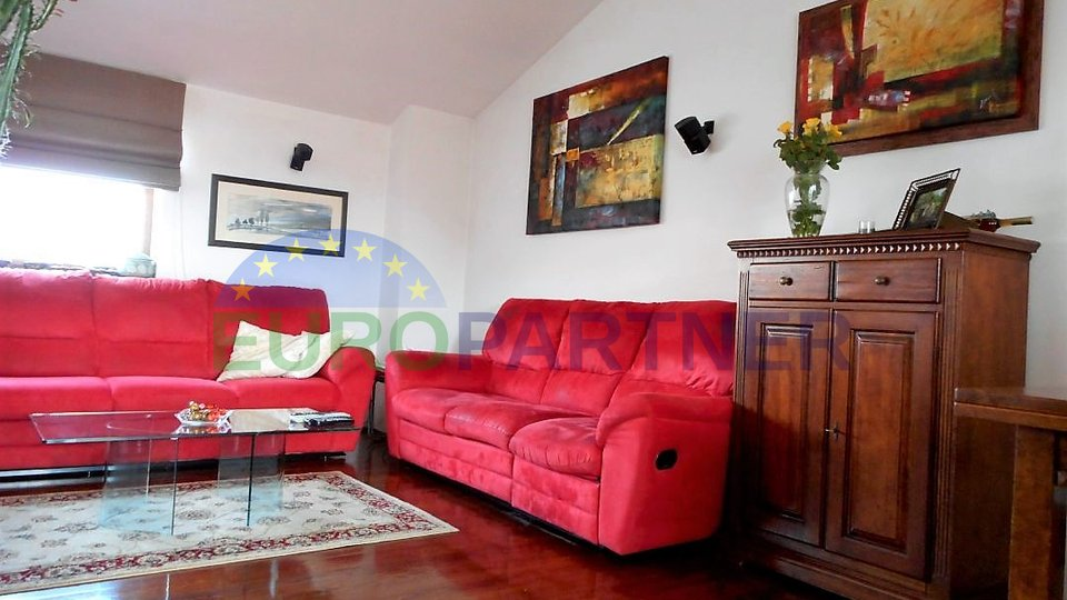 Apartment in Poreč city centre with 3 bedrooms - 100 m from the sea