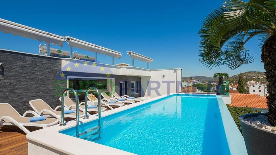 Luxury villa just 30 m from the sea