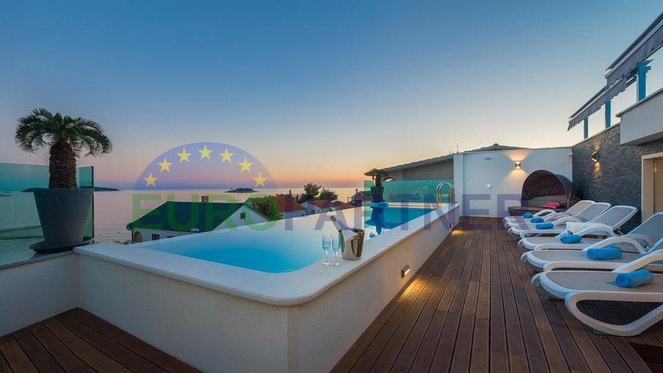 Luxury villa just 30 m from the sea