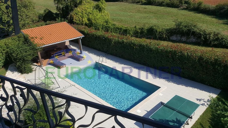 Completely renovated old stone house with pool in the heart of Istria