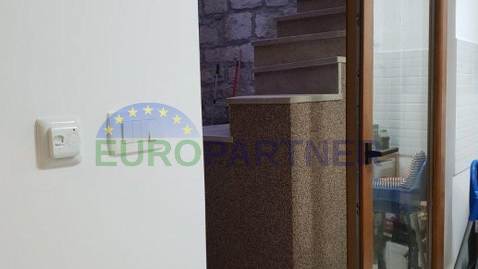 Renovirana i potpuno opremljena kamena kuća u centru grada Splita