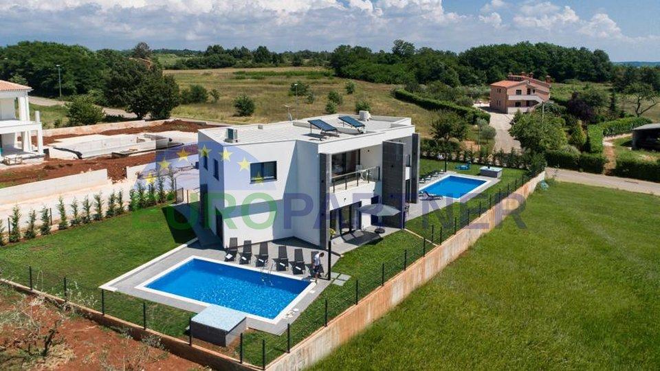 Moderne Doppelhaushälfte mit Meerblick