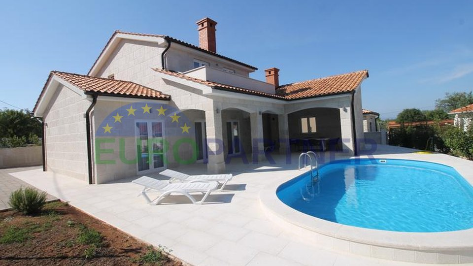 Newly built house with pool and sea view, island of Krk