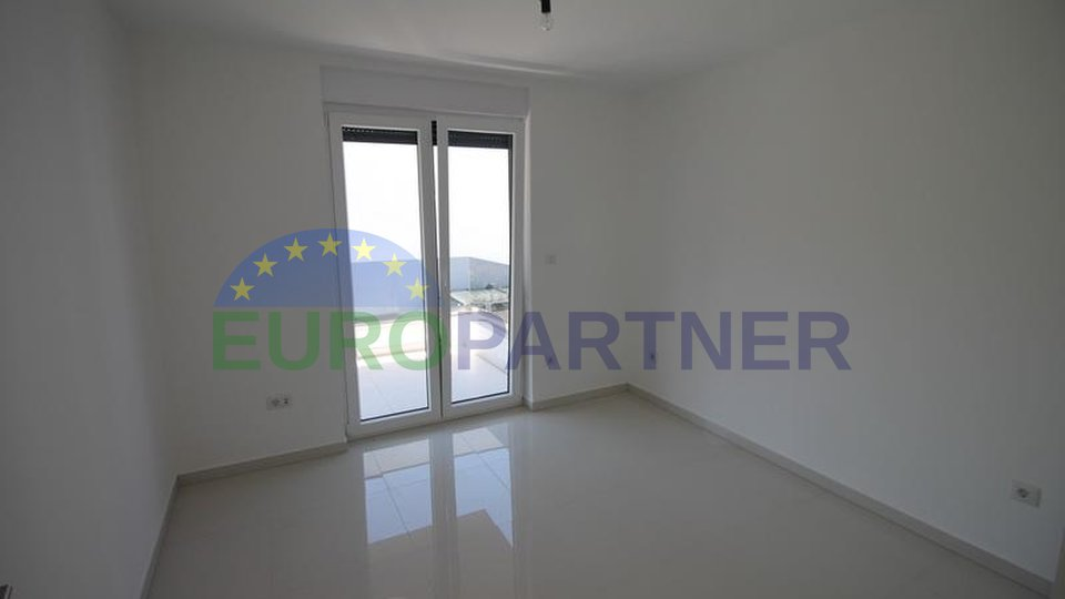 Modern apartment 250 m from the beach, island of Krk!