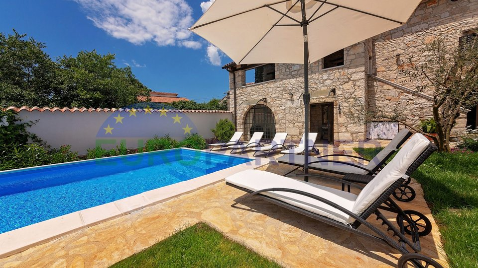 Nice, renovated stone house with pool