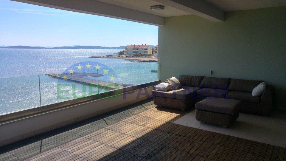 Appartamento, prima fila al mare
