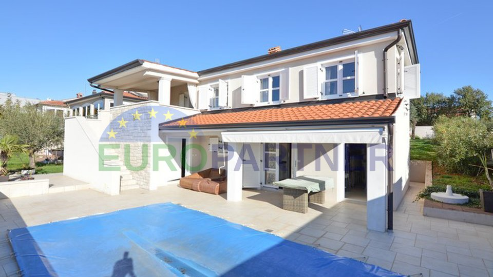 House with pool in the near of Poreč