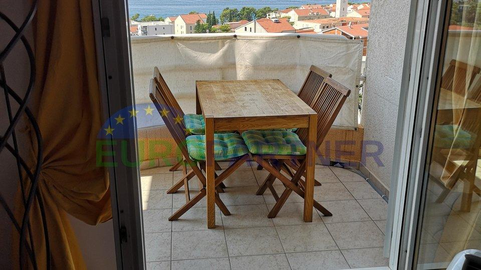 Stan na iznimnoj lokaciji sa pogledom na more