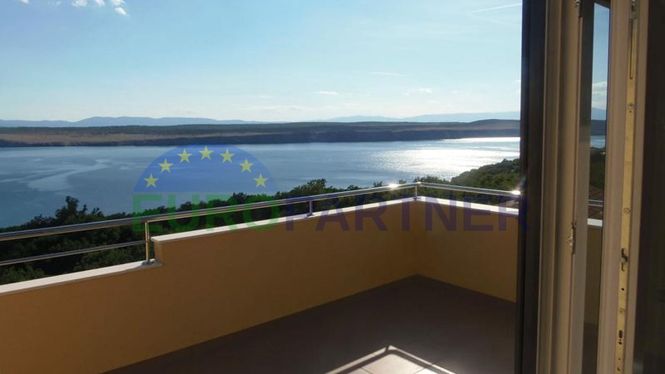 Top quality apartments in Jadranovo with panoramic sea views, 300 meters from the sea