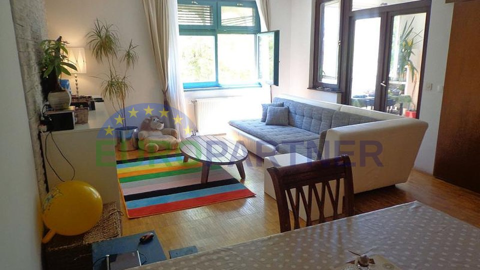 Spacious apartment on the island of Krk overlooking the sea