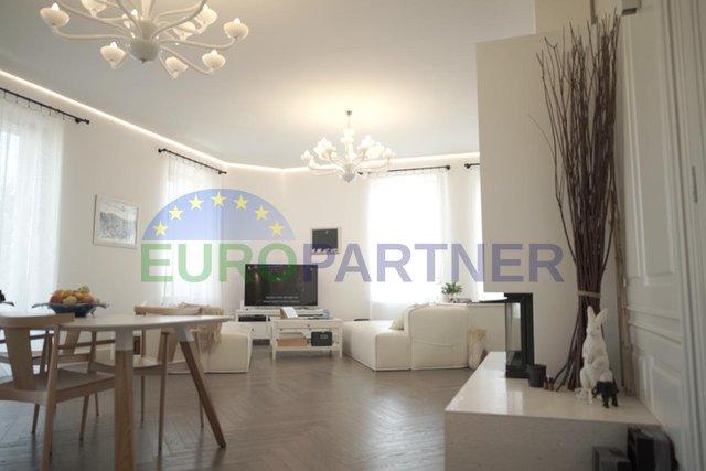 Designer Luxus-Wohnung im Zentrum von Volosko in der Nähe des Meeres