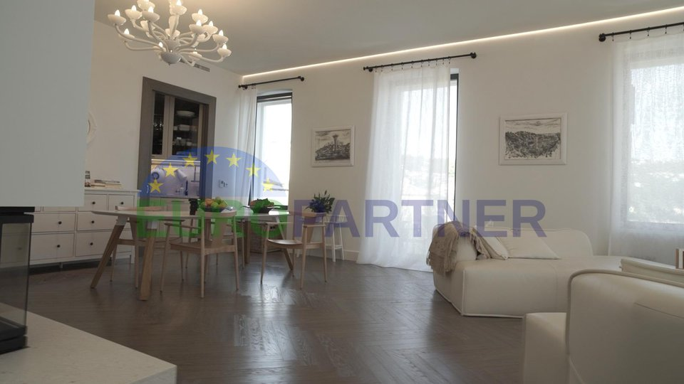 Designer luxury apartment in the center of Volosko near the sea