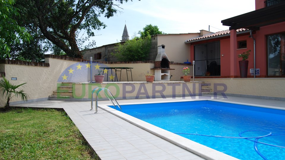 Stein house mit Pool und Fitnessstudio in der Nähe von Vizinada