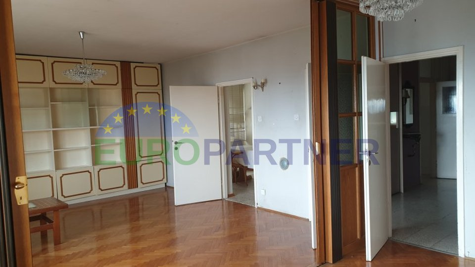 Spacious apartment in elite part of Split - Meje, 123m2 and sea view