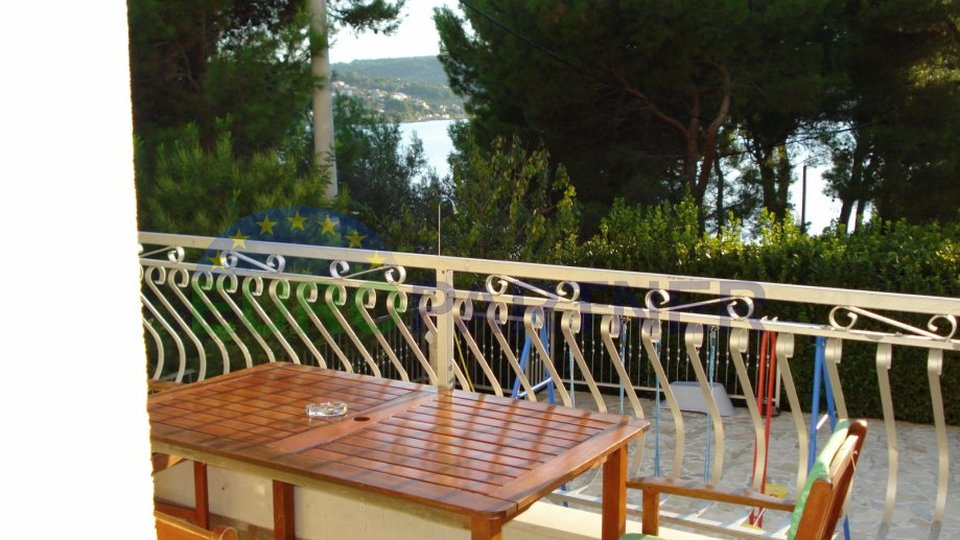 Spacious apartment house near the sea on the island of Solta - Necujam with beautiful sea view