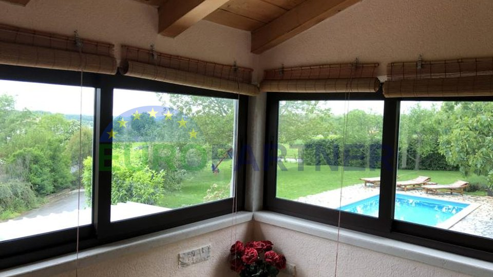 Beautiful house with garden of 2.800m2 and swimming pool