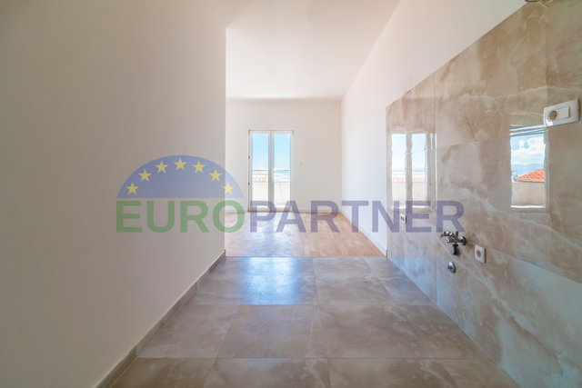Moderni stanovi 50m od mora, Split-Storbeč