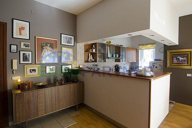 Wohnung, 82 m2, Verkauf, Poreč