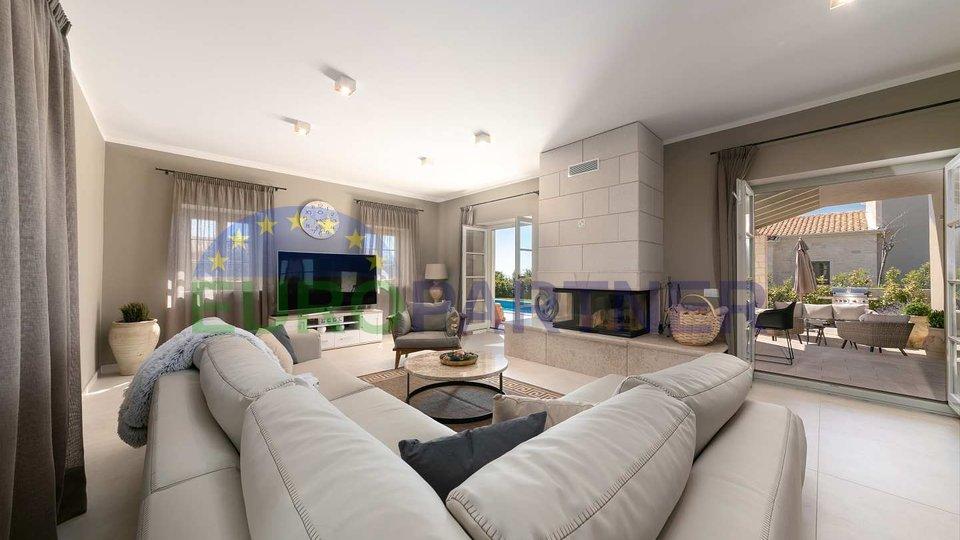 Casa, 227 m2, Vendita, Poreč