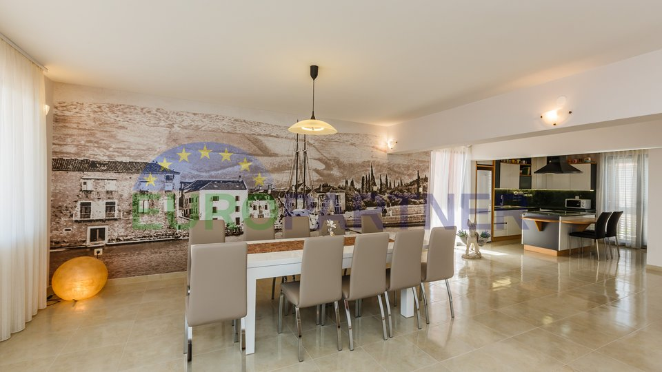 Villa with all necessary amenities, with open sea view