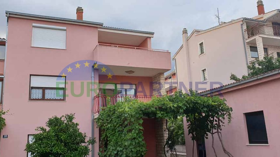 House with great potential, Strožanac