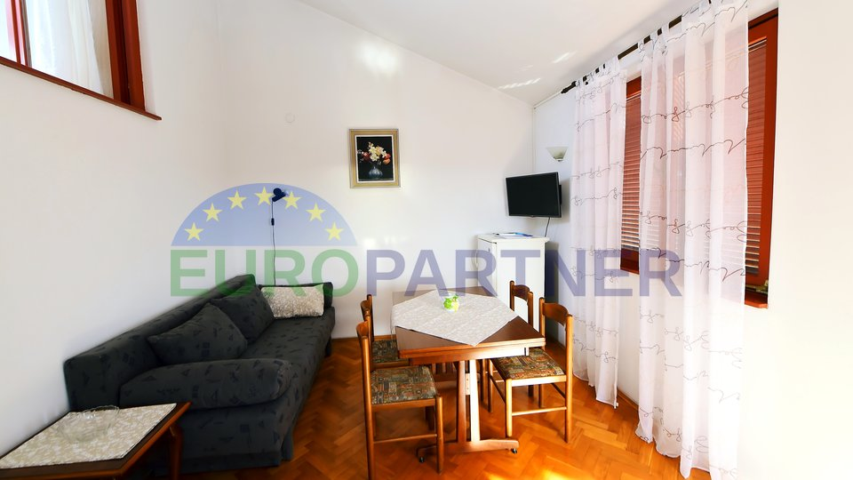 Lovely apartment house with 8 apartments, pool and family apartment in the basement