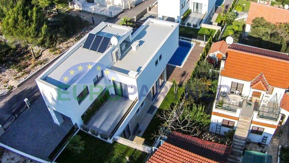 Villa di lusso a 30 metri dal mare, isola di Ciovo