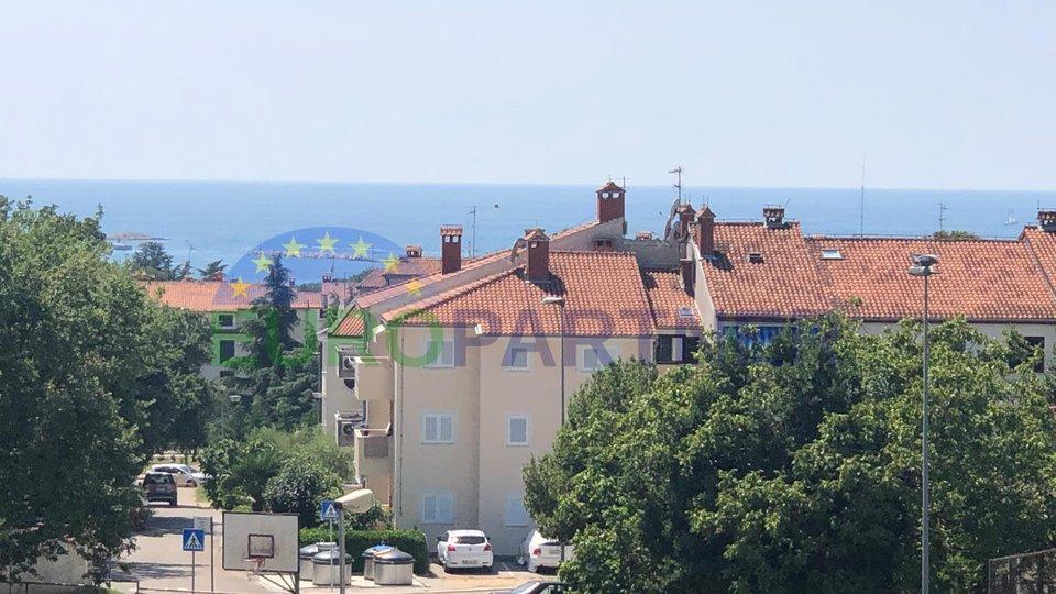 Prelijepi obiteljski stan sa pogledom na more, 800m od centra grada Poreča