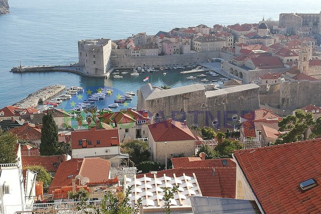 Stone house with beautiful sea view in the center of Dubrovnik
