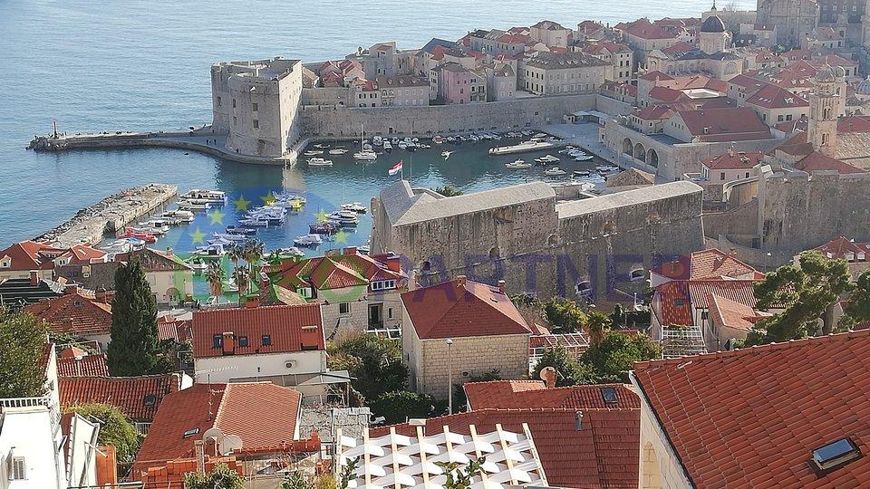 Casa in pietra con splendida vista sul mare nel centro di Dubrovnik