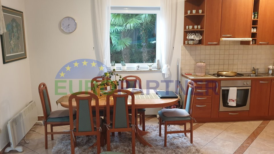 Apartment with pool and sea view in the center of Opatija