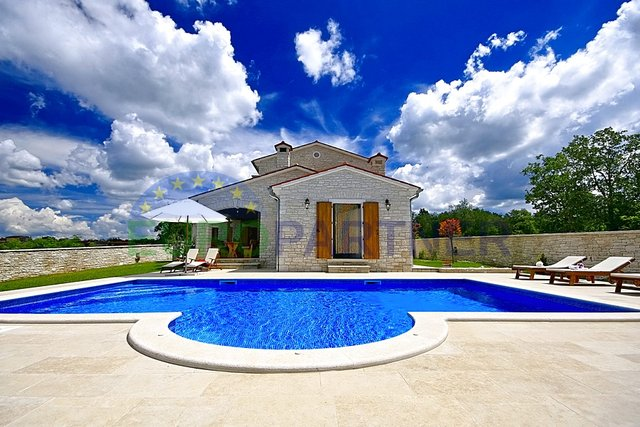 Beautiful stone villa with pool and panoramic sea view, Tinjan