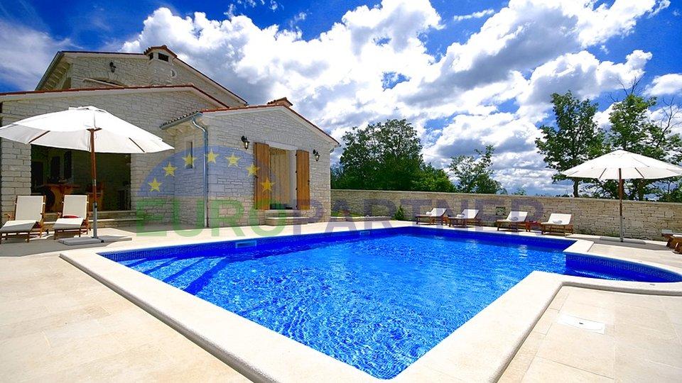 Predivna kamena vila sa bazenom i panoramskim pogledom na more, Tinjan