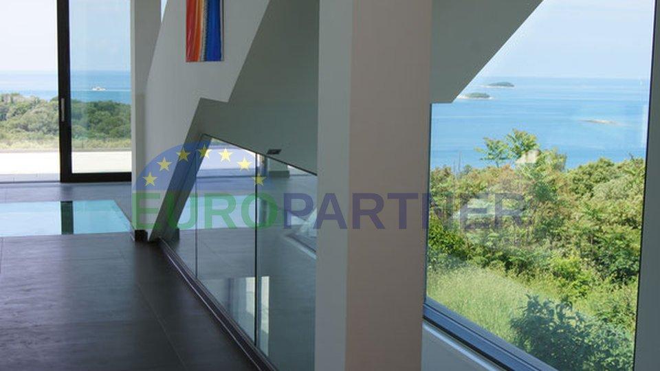 Sofisticirana vila moderne arhitekture i dizajna, Vrsar