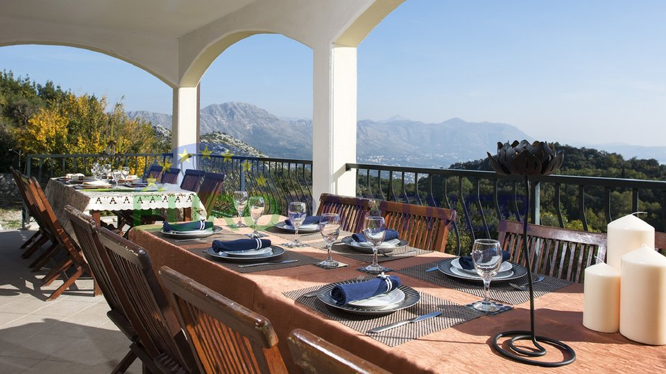 Beautiful villa near Dubrovnik with sea view, Brgat